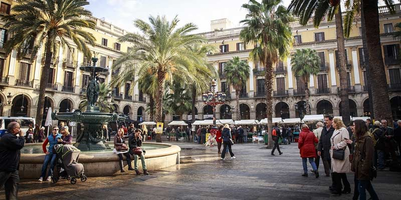 Barcelona Square | Advantages of Studying in Barcelona